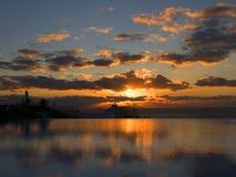 Spektakularny wschód słońca nad schronieniem w Funchal maderze Portugalia Obrazy Stock