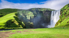 Spektakulär Skogafoss vattenfall, Island Royaltyfria Foton