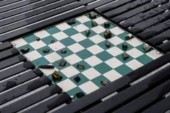 Spel die van controleurs met stenen voor stukken op ingebouwd worden gespeeld stock afbeelding