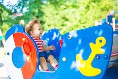 Spel in een buurtpark Stock Afbeelding