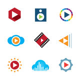 Spela bandet för symbolen för logoen för musik för det videopd knappmolnet det idérika Royaltyfria Bilder