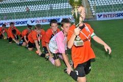 spela den akademikra novifotbollTuzla ungdommen Fotografering för Bildbyråer