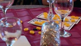 Spela den schackkort och lotterit lager videofilmer