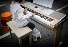 Spela för pianomusik Royaltyfri Bild