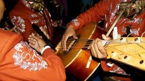 Spela för mariachitrio Royaltyfria Bilder