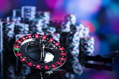 Spela i kasino Kasinotemabakgrund royaltyfria foton