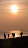 Spela på stranden Royaltyfria Foton
