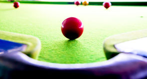Spela snooker Fotografering för Bildbyråer