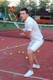 Spela tennis Royaltyfri Fotografi