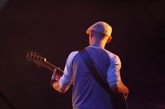 spelare för 2 gitarr Arkivfoto