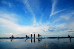 Spelbal op het strand Royalty-vrije Stock Foto's
