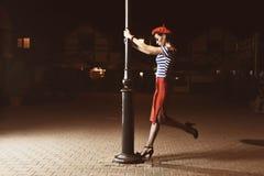 Speld op Meisje en lantaarn Stock Afbeelding