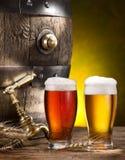 Speld van bier en glas bier stock afbeeldingen