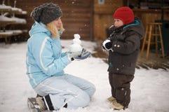Spelen in de sneeuw royalty-vrije stock foto