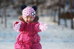 Spelen met sneeuw Stock Fotografie