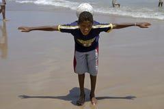 Spelend op het strand, stad Recife, Noord-Brazilië Royalty-vrije Stock Foto