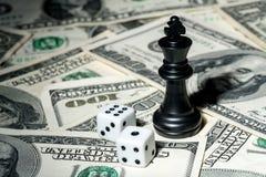Speler van schaak op dollarachtergrond Royalty-vrije Stock Fotografie