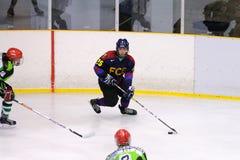Spelers in actie in Ijshockeydef. van Copa del Rey stock foto