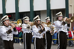 Spelers van de Band van de middelbare school de Marcherende Royalty-vrije Stock Fotografie
