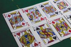 spelkaarten voor het gokken worden gebruikt die stock illustratie