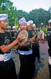 Spelmuziek die voor Balinees Nieuw jaar voorbereidingen treffen Royalty-vrije Stock Foto's