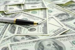 Sperren Sie auf Dollarbanknoten ein Stockbilder
