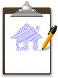 Sperren Sie Zeichnung Haus-Plan auf Papier und Klemmbrett ein Stockbild