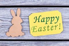 Sperrholz-Ostern-Kaninchen Stockfotos