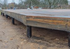 Sperrholz Subfloor im Haus, das gebaut wird Stockfotografie