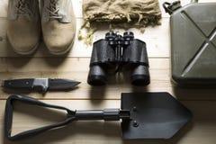 Spese generali dell'attrezzatura per la sopravvivenza fotografie stock