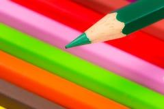 Spets av en grön träblyertspenna Arkivfoto
