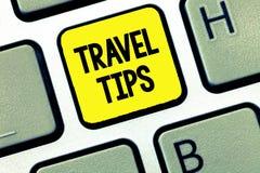 Spetsar för lopp för ordhandstiltext Affärsidé för rekommendationer för en säker bekväm semester för lycklig resa arkivfoto