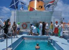 Spettacolo: Giochi divertenti sulla nave da crociera di lusso fotografia stock