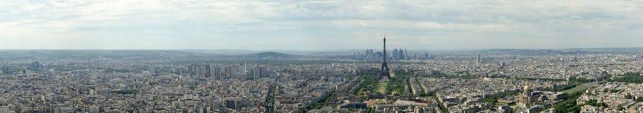 Spettatore del telescopio e orizzonte della città al giorno. Parigi, Francia fotografia stock