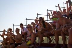 Spettatori attraenti ai campionati estoni di calcio della spiaggia Fotografia Stock Libera da Diritti