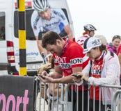 Spettatori che controllano le loro immagini - Tour de France 2013 Immagini Stock Libere da Diritti