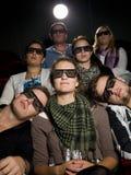 Spettatori del cinematografo con i vetri 3d Immagini Stock
