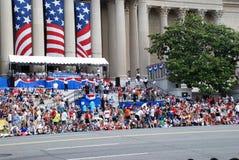 Spettatori della festa dell'indipendenza Parad immagini stock libere da diritti