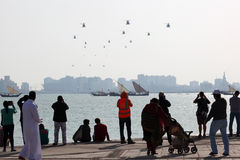 Spettatori dello show aereo 2013 del Qatar in Doha, Qatar, Medio Oriente Immagine Stock Libera da Diritti