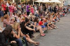 Spettatori di manifestazione della via fotografia stock