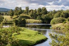 Spey-Fluss nahe Boot von Garten Stockfotos