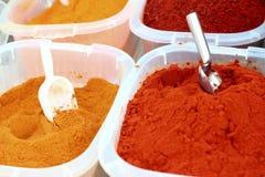 Spezie giallo arancione del curry della paprica dello zafferano Immagini Stock Libere da Diritti