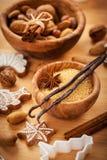 Spezie per i biscotti di natale di cottura Fotografia Stock Libera da Diritti