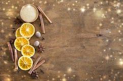 Spezie per il Natale pan di zenzero o vin brulé fotografia stock