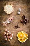 Spezie per il Natale pan di zenzero o vin brulé fotografie stock libere da diritti