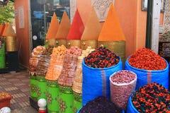 Spezie su un mercato marocchino Immagini Stock Libere da Diritti