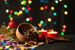 Spezie sui precedenti delle ghirlande delle luci di Natale Fotografie Stock