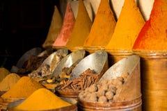 Spezie visualizzate in un mercato a Fes, Morroco Fotografie Stock