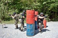 Spezielle Polizeieinheit im Training Stockbild