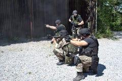 Spezielle Polizeieinheit im Training Stockfoto